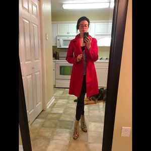 SZ SMALL GAP RED TRENCH COAT w/ Hidden Buttons